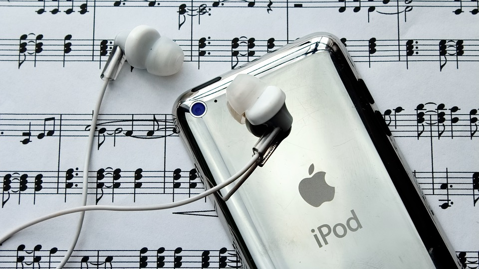 ipod headphones music melody musical note clef notenblatt treble clef musician texture freedom compose staff tones ipod ipod headphones headphones headphones headphones music music music music music