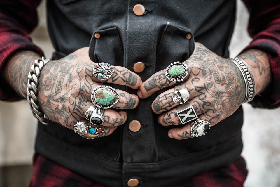 hands tattoos rings accessories drawing design ethnic pattern drawn style decorative tattoo art ink fashion alternative lifestyle jewelry hands tattoos tattoos tattoos design fashion fashion fashion fashion fashion lifestyle lifestyle jewelry jewelry jewelry