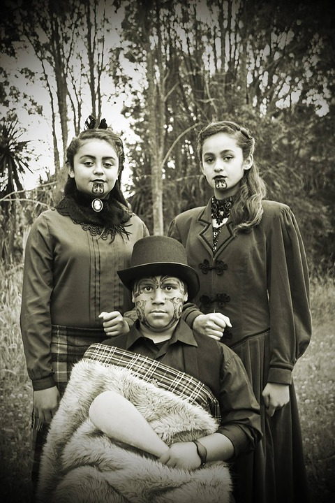 tradition lives maori indigenous polynesian people heritage new zealand old fashioned models tattoo face painting family portrait maori maori maori maori maori people new zealand tattoo tattoo tattoo family portrait